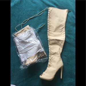 NEW!! 👢!! Still in package